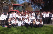 group photo of Yera 11 pupils on their last day of school 2015